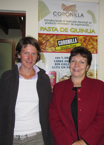 Juliane Palm (links) mit Martha Wille vom bolivianischen Projektpartner Coronillaa